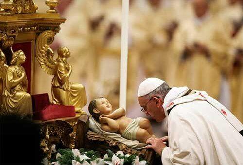 """P. Francisco: """"En Navidad recibimos en la tierra a Jesús, Pan del cielo: es un alimento que no caduca nunca, sino que nos permite saborear ya desde ahora la vida eterna."""""""
